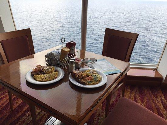 Norwegian Sky: Breakfast at Il Adagio.
