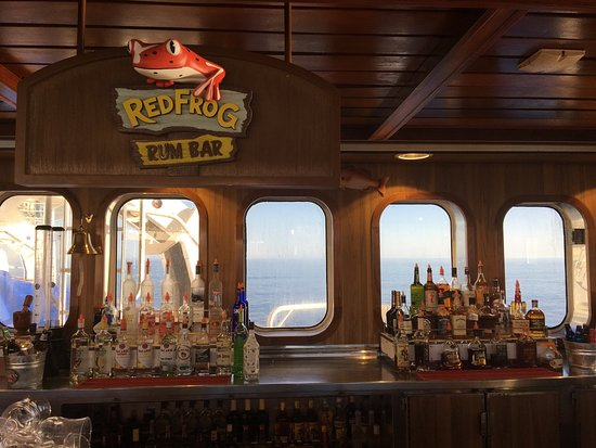 Carnival Imagination: the new Red Frog rum Bar