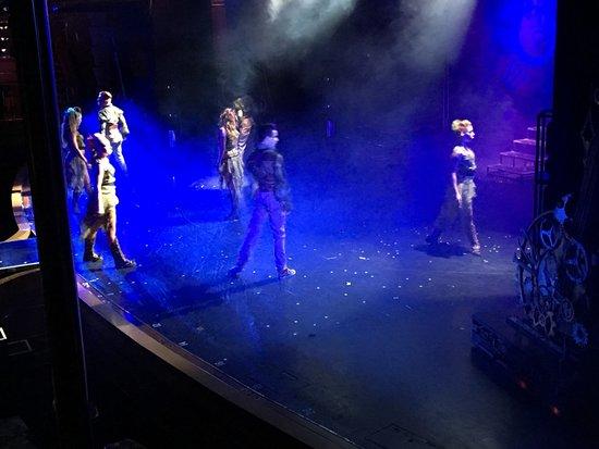 Carnival Imagination: show, epic rock