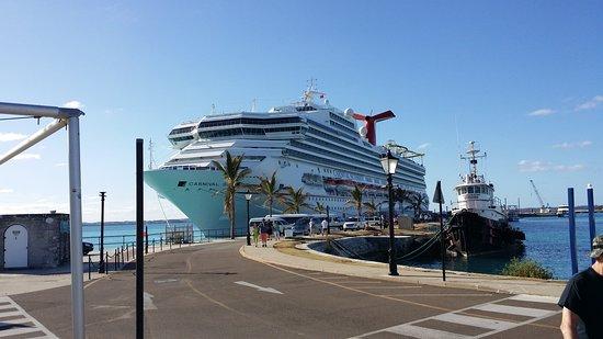 Norwegian Dawn: Docked at the Royal Naval Dockyard Bermuda 10/16