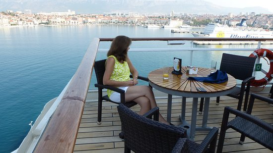 Celebrity Constellation: loved eating breakfast at the back of the ship