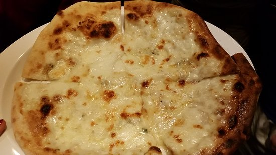 Carnival Ecstasy: Pirate pizza, 4 cheese, lido aft