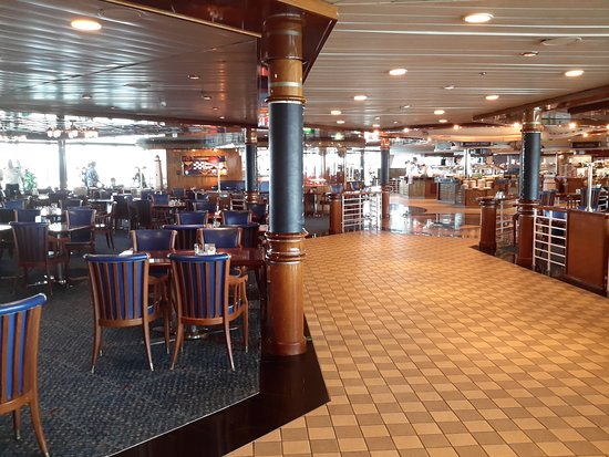 Radiance of the Seas: Windjammer café