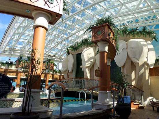 Radiance of the Seas: The Solarium adults-only oasis