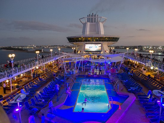 Majesty of the Seas: Pool at Night
