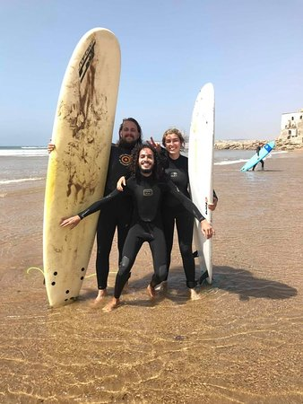 What a great day, take a step a join us for a surfing lesson ;)