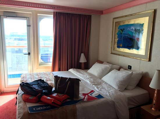 Carnival Conquest: Deck 6 Balcony Room- Starboard