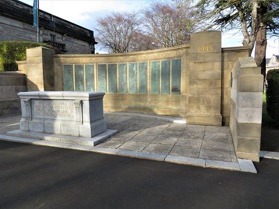 Kirkcaldy War Memorial Gardens