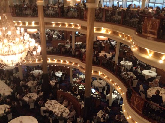 Navigator of the Seas: diner time