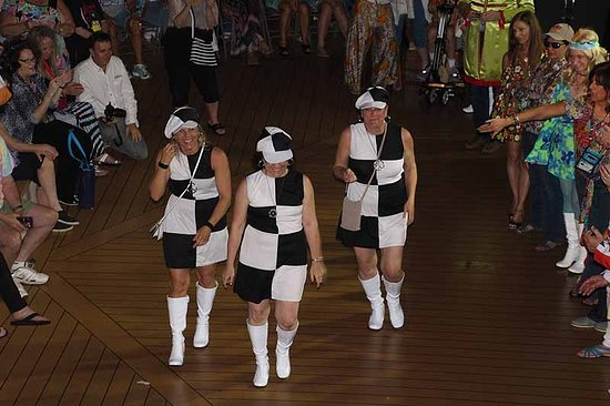Celebrity Summit: Three sisters at costume party