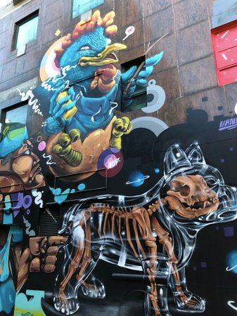 Praca de Ponte e Horta - street art