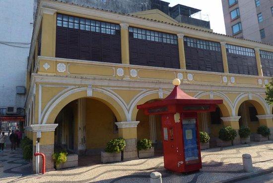 Praca de Ponte e Horta - former Opium House