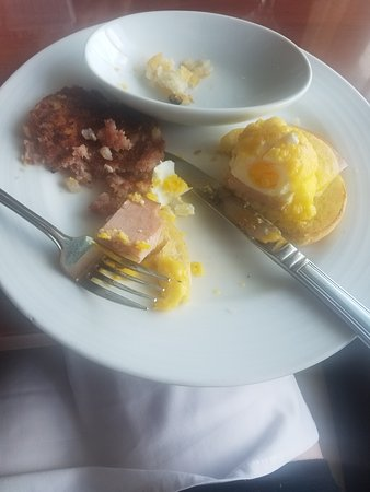 Carnival Ecstasy: Microwaved food at every meal so nasty and not what i paid for I expect a Better service from cruising I have been on so many this one was horrible