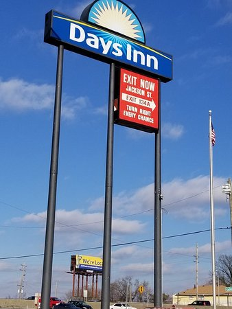 Days Inn by Wyndham Louisville Central University & EXPO Center
