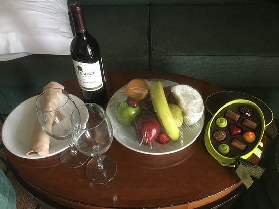 Grandeur of the Seas: This was waiting for us in our room when we arrived