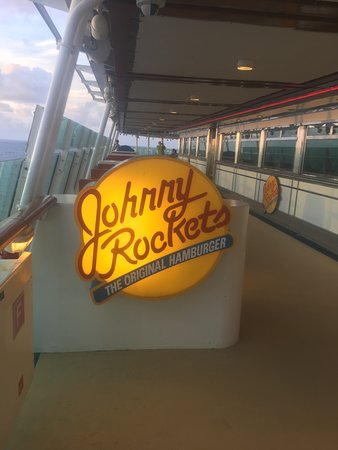 Voyager of the Seas: All American Hamburger joint