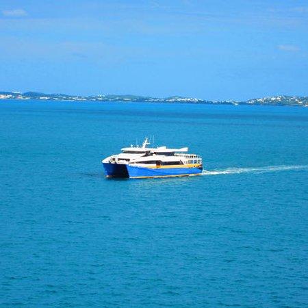 Norwegian Dawn: NCL free fast ferry.