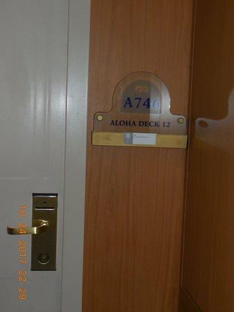 Grand Princess: Cabin A746 Entry