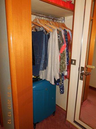 Grand Princess: Cabin A746 closet space