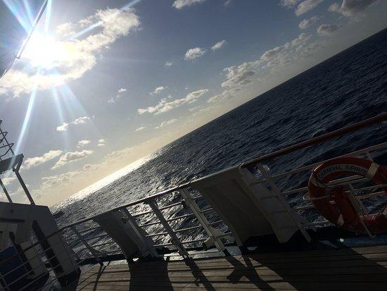 Carnival Spirit: Ship sunsets