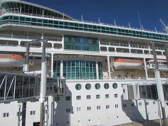 Vision of the Seas: Our room had a huge panoramic window!