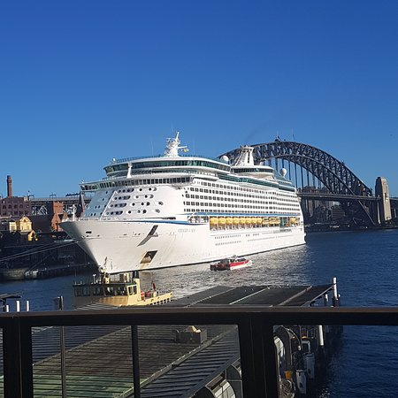 Voyager of the Seas: Vogager docked in Sydney