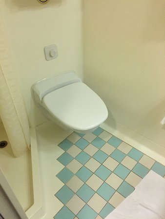 Grand Princess: B331 Bathroom Tile
