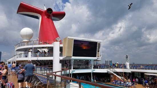 Carnival Victory: Deck 9