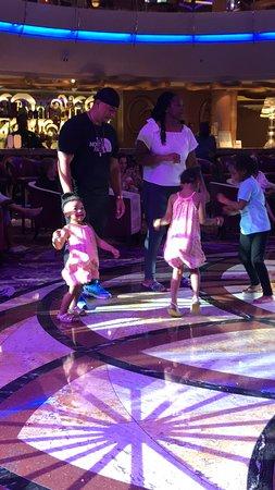 Enchantment of the Seas: Kids dancing