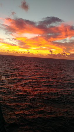 Rhapsody of the Seas: fabulous sunset at sea