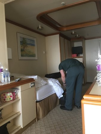 Golden Princess: Electrical repairs on cabin (during cruise)