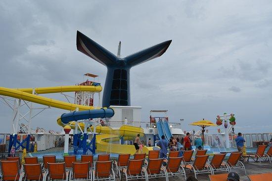 Carnival Sensation: Water park