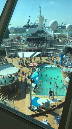 Navigator of the Seas: Pool Deck from the Sky Bar - Deck 14