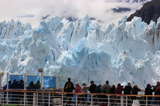 Golden Princess: On deck during glacier watching days