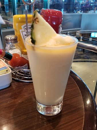 Norwegian Dawn: Pina Colada at O'Sheehans