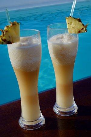 Paul Gauguin: Drinks by the pool