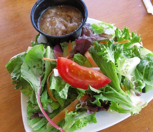 Dead Fish Grill: excellent house made bacon vinagrette