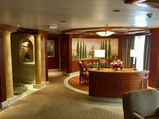 Golden Princess: The interior of the suite.
