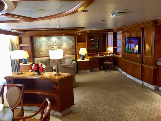 Golden Princess: Interior of the suite.  There's a dining table for 6 people.