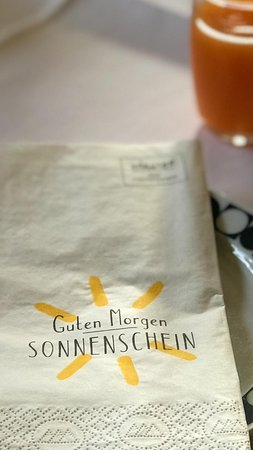 Hubertushof beim Roemerbad: Begrüssung am Sonntagmorgen :-)