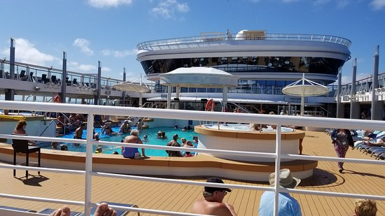 Norwegian Star: Poolside..on seadays make 630 to get a chair poolaide