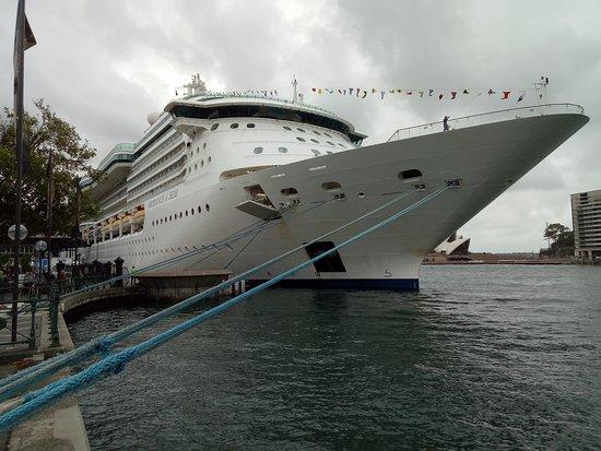 Radiance of the Seas: Sydney Quay
