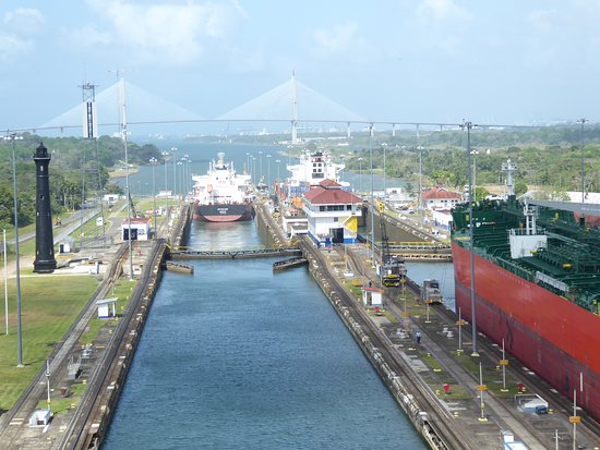 Norwegian Star: The last lock through the Panama Canal