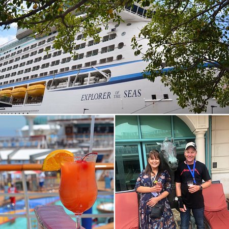 ‪‪Explorer of the Seas‬: This beautiful ship at dock in Sydney Habour. Cocktail view of the pool fro‬