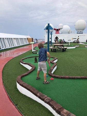 Carnival Fantasy: Mini golf
