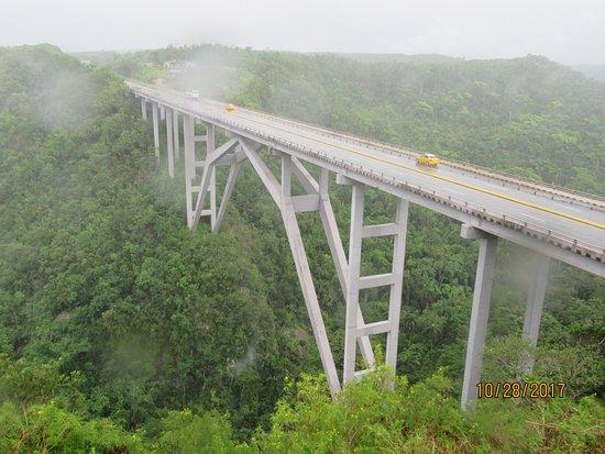 The Highest bridge in Cuba, near Varadero. El Puente mas alto de Cuba, proximo a  Varadero