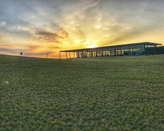 Fort Meade, FL: A sunset to remember during our hosted getaway to Streamsong in Florida