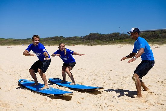 Apprenez à surfer à la plage de...