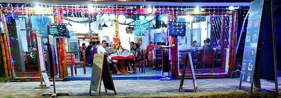 Restaurante y pizzeria los DELFINES
