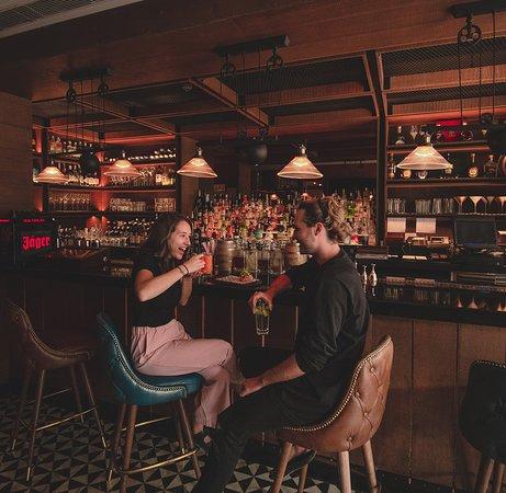 Grappa, Shangri-La's Eros Hotel: Grappa Bar